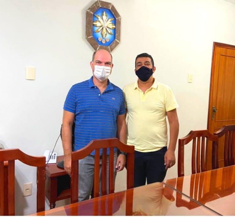 Na foto o Presidente da FUPAC, Dr. Fábio Andrada, e o Prefeito Municipal Interino de Antônio Carlos, Marcelo Ribeiro